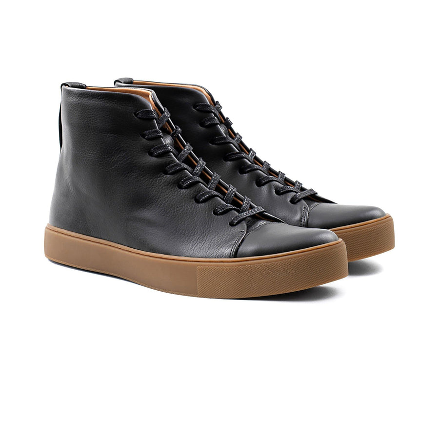 Crown Northampton - Black leather high top sneaker with gum sole
