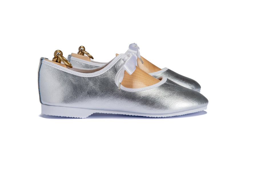 LORNE RIBBON TIE SHOE - METALLIC SILVER LEATHER