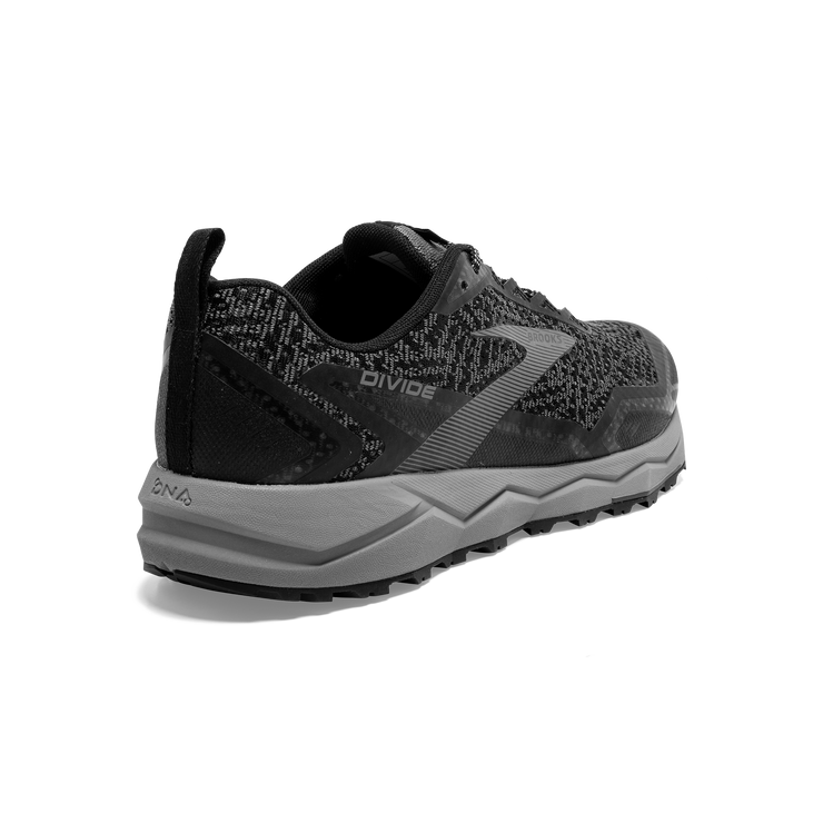 Brooks Divide (SKU: 110333.040)
