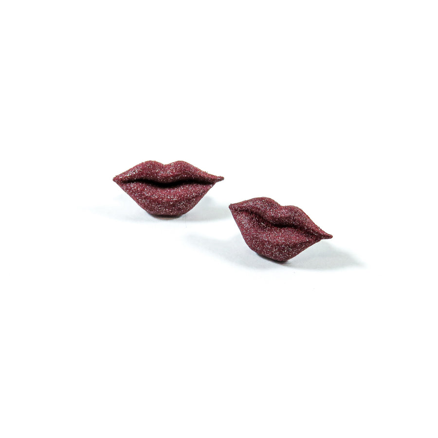 3D Printed Kiss Earrings in Ruby Red