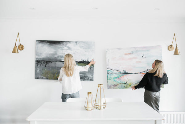 Designer Spotlight Kate + Amanda | Arianna Belle Blog | interior designers hanging abstract art