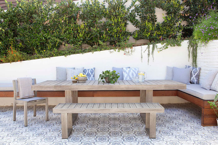 Designer Spotlight Lindsay Pennington Arianna Belle Blog - outdoor table and chairs