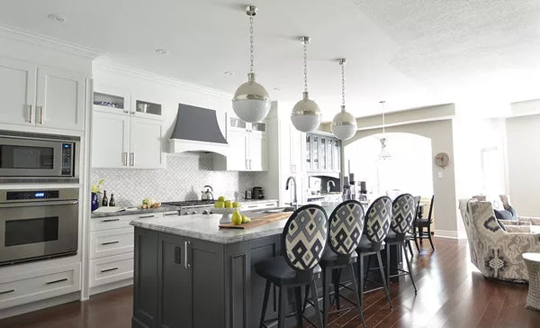 open concept white and grey luxury kitchen | Designer Spotlight: Meredith Heron | Arianna Belle Blog