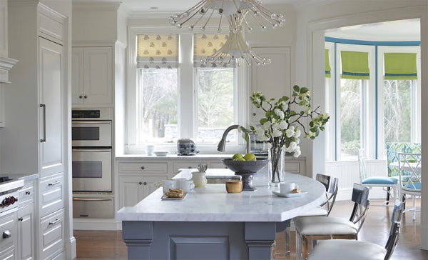 dream white luxury kitchen | Designer Spotlight: Meredith Heron | Arianna Belle Blog