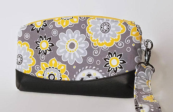 yellow flower wristlet