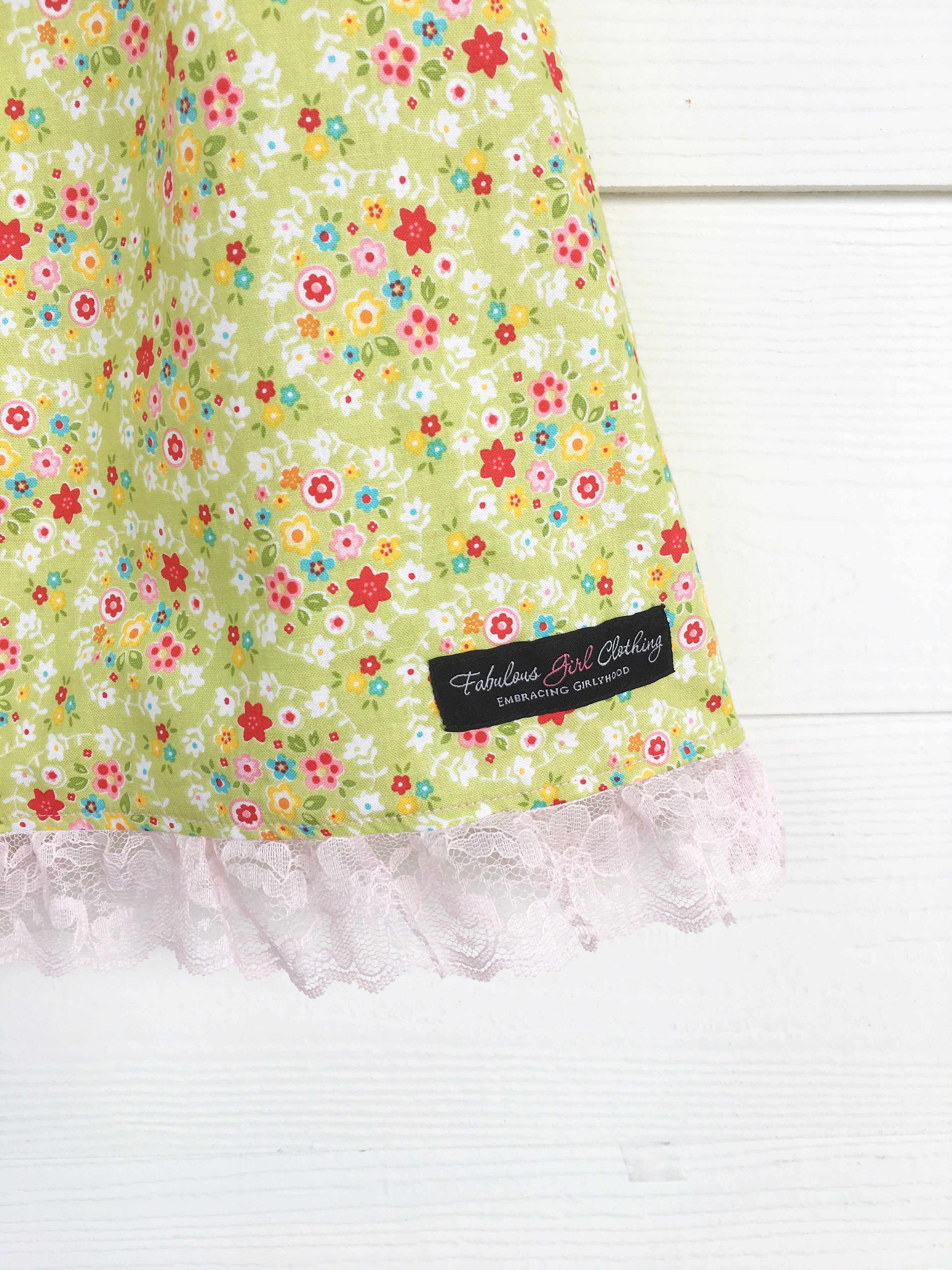 Sweet Mary Dress - Green Wreaths