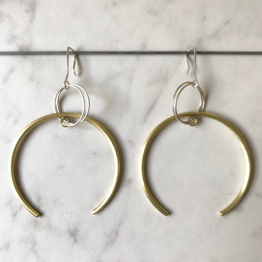 ANTI-GRAVITY EARRINGS