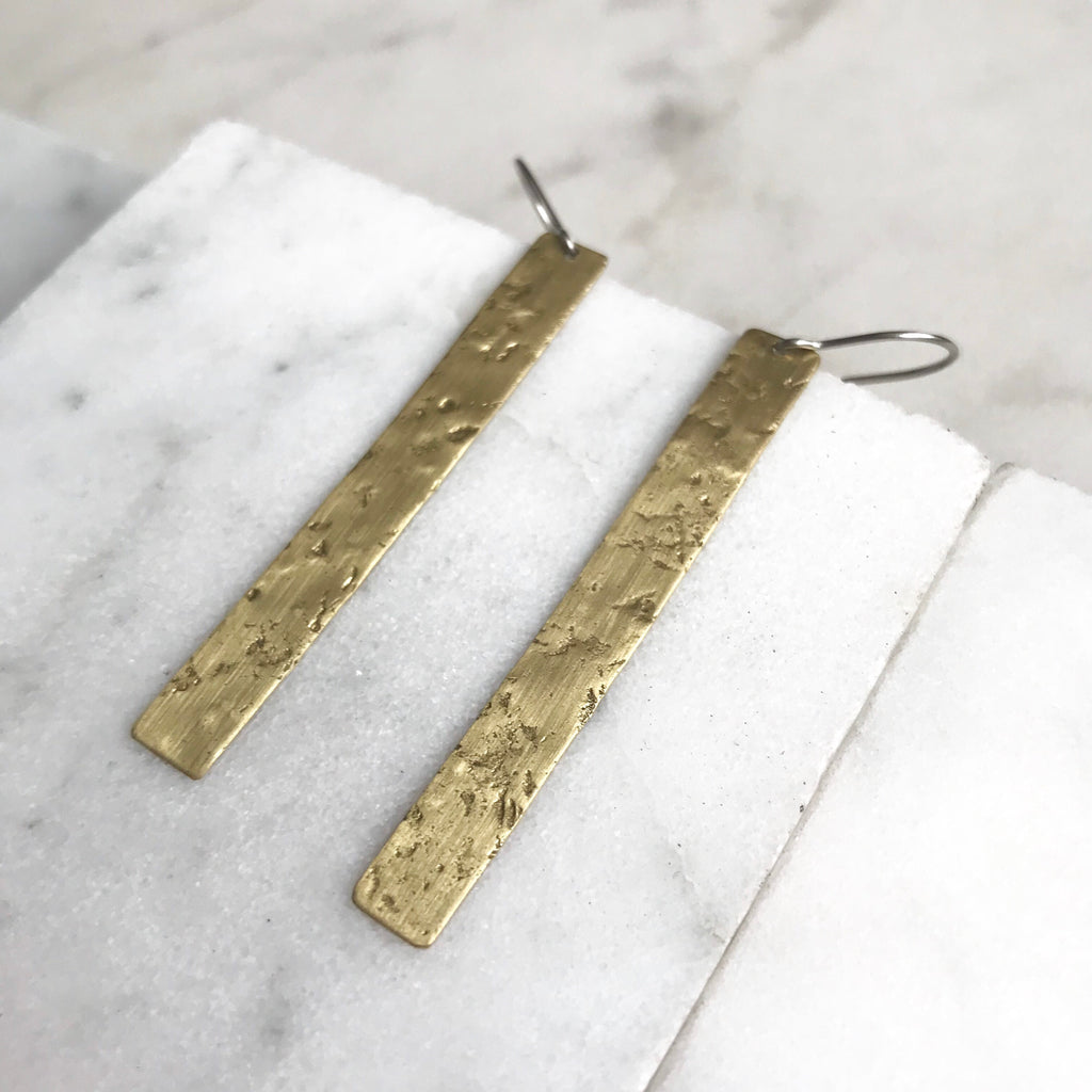 VERTICAL STATIC EARRINGS