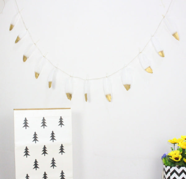 Feather Garland Wall Hanging Bunting - White Feather / Gold Glitter