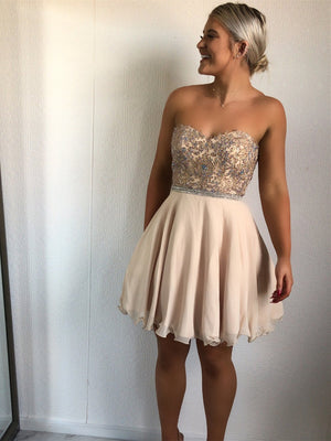 Champagne Sweetheart Lace Beaded Short Cheap Homecoming Dresses Online, CM581