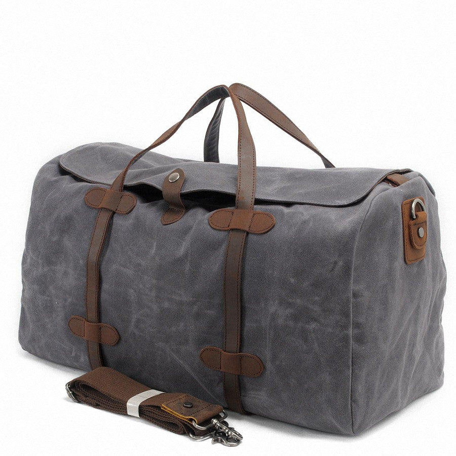 Stoere Canvas Tassen : Globetrotter vintage canvas leather carry on luggage