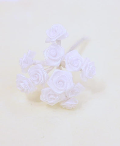72 petites roses - blanches