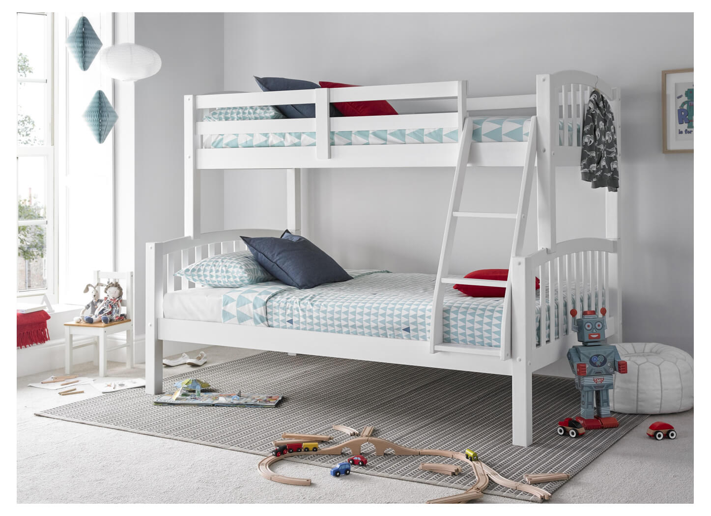 White triple sleeper bunks 3ft over 4ft | Small double three sleeper bunk bed - bedsmart