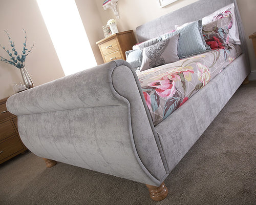 Chicago grey chenille scroll bed
