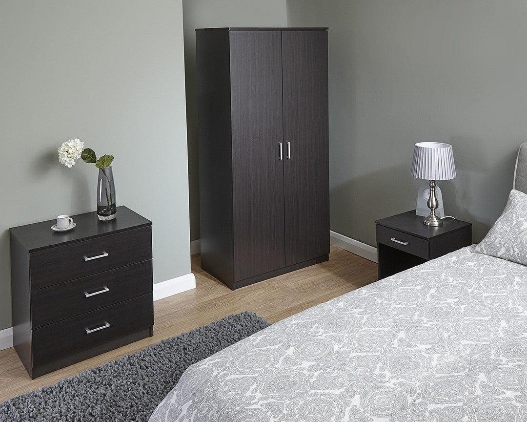 Espresso brown three piece bedroom set
