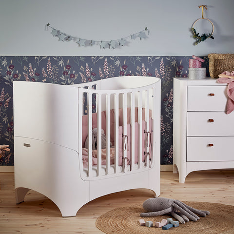 Leander Classic Baby Cot & Junior Bed - White