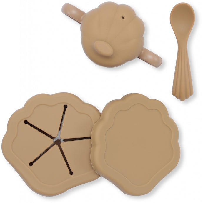 Konges Slojd Silicone Clam Tableware Set - Terracotta