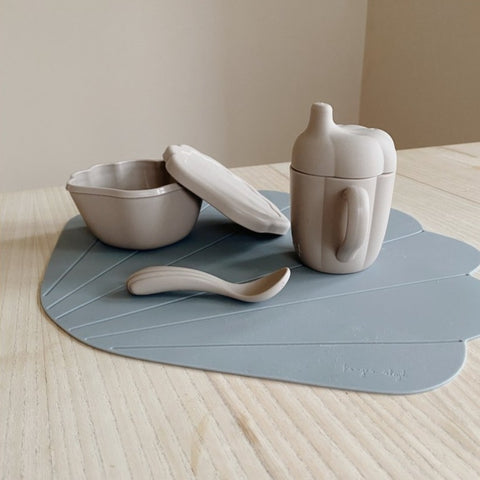 Konges Slojd Silicone Clam Tableware Set - Warm Grey