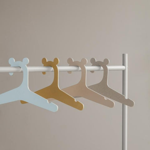 Ferm Living Kid's Clothes Hangers - Set of 5 - Curry