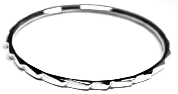 Iron Clay Step Pattern Bangle Silver