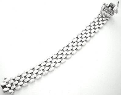 Iron Clay Silver Oval Link Bracelet