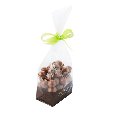 Hazelnut pearls with milk chocolate