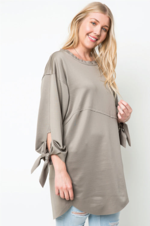 Women's Plus Size Knot Sleeved Oversized Top