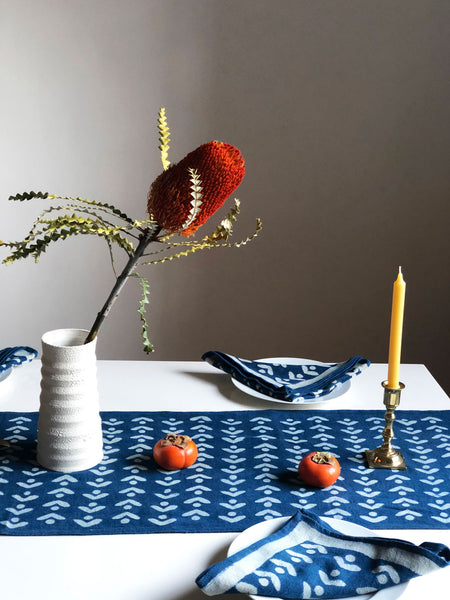 EGRET TABLE RUNNER