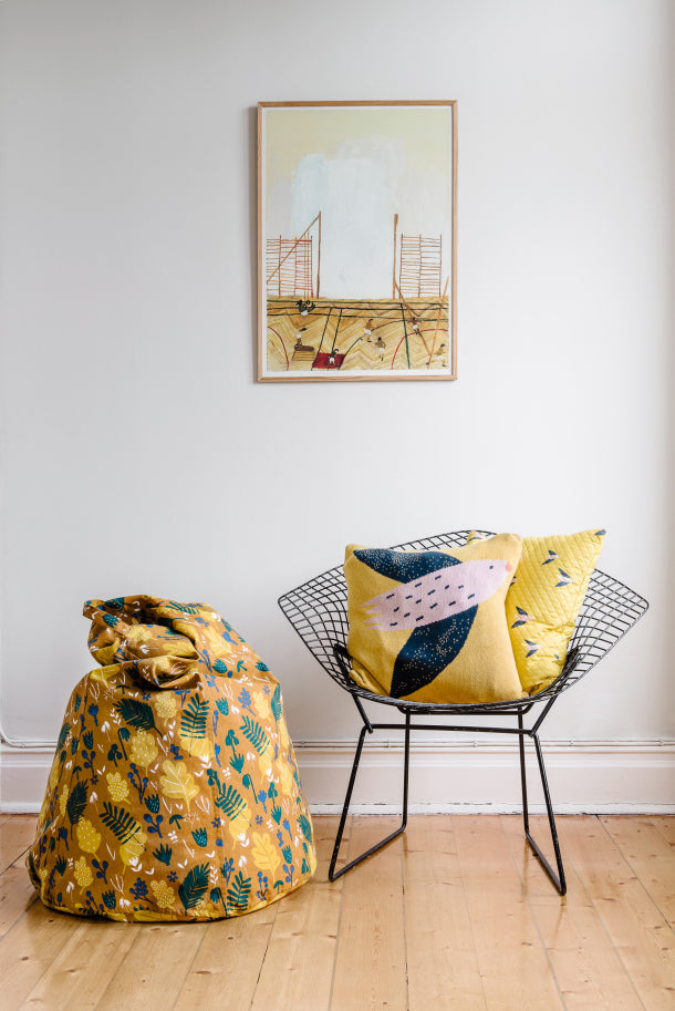 RESTING NESTING - CUSHION COVER Fly little bird / Yellow