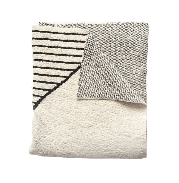 Cotton Knit Throw With Geometric Pattern