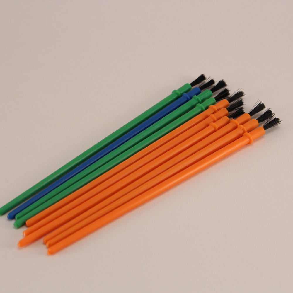 Plastic brushes (10 per pack)