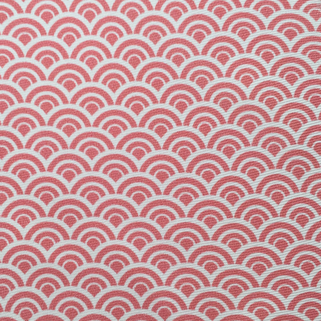 Repeating Half Circle Red