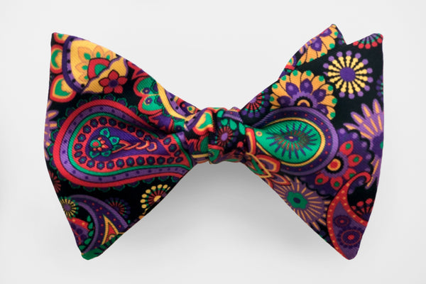 Black with Ornate Paisley Mardi Gras Bow Tie
