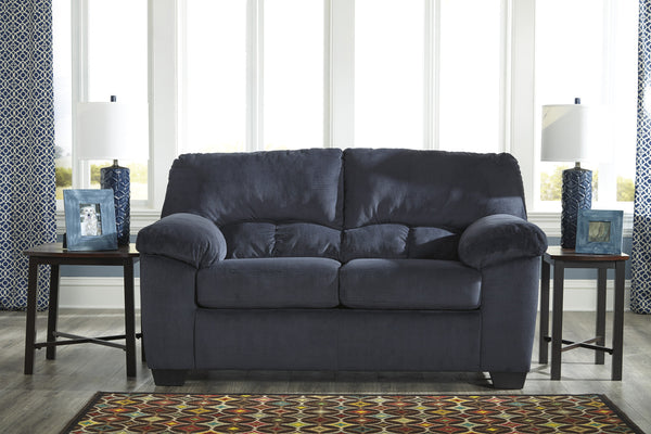 Dailey Plush Loveseat