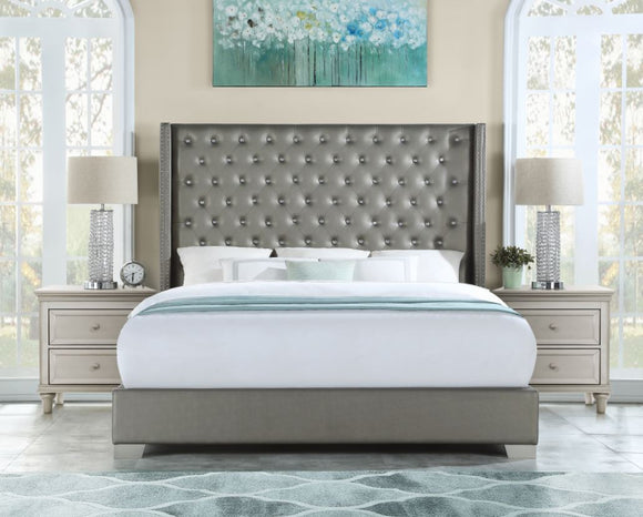 Vedette Upholstered King Bed in Silver