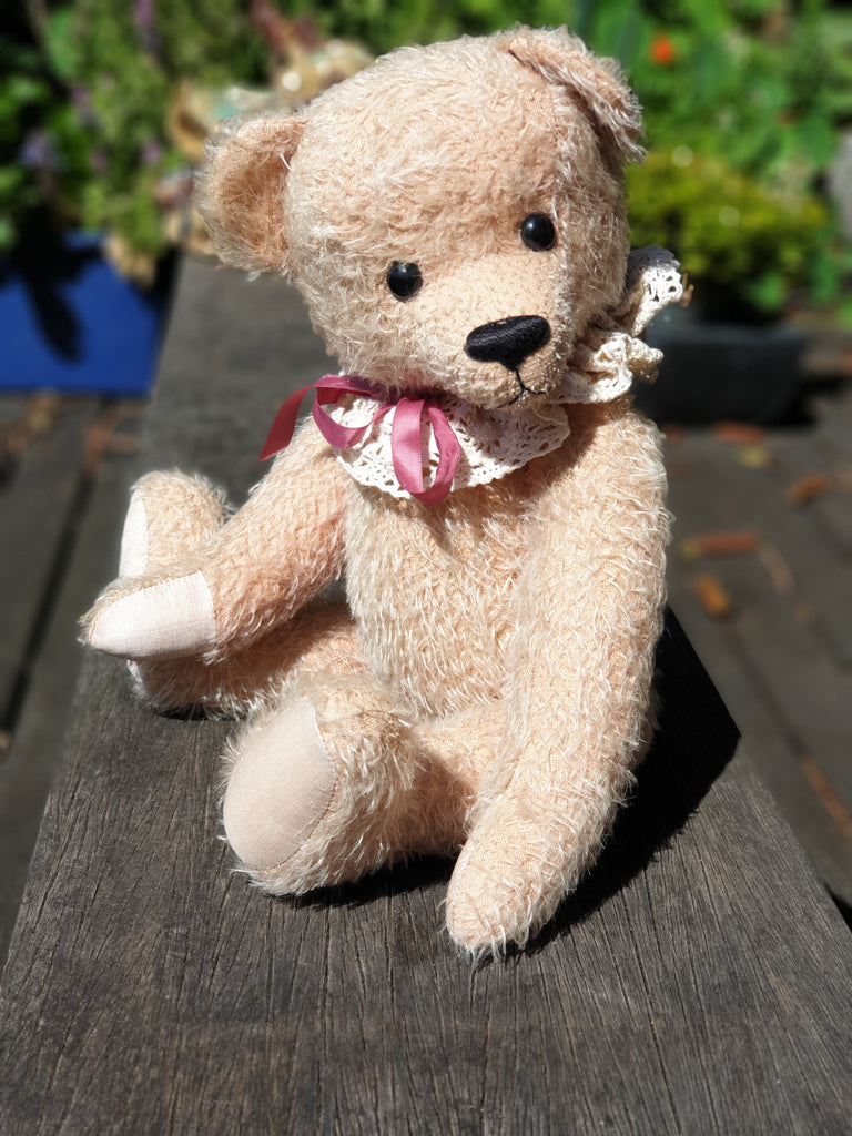 Matilda 36cm, Robin Rive collectible mohair bear with lace collar
