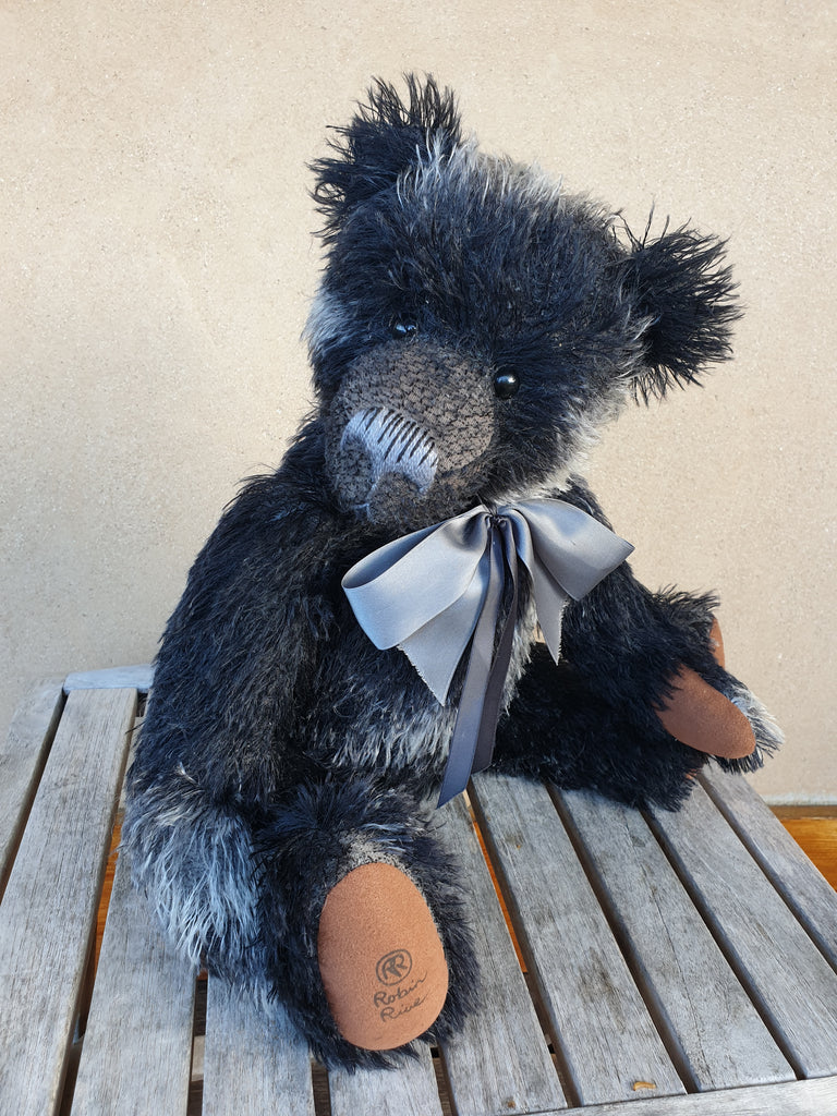 Charcoal, Robin Rive Bear, 40cm OOAK collectible black and grey string mohair teddy