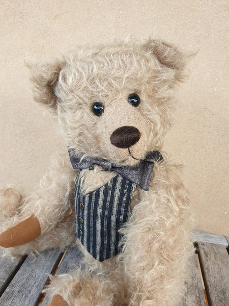 Alistair, Robin Rive Bear, 37cm collectible in sparse taupe mohair
