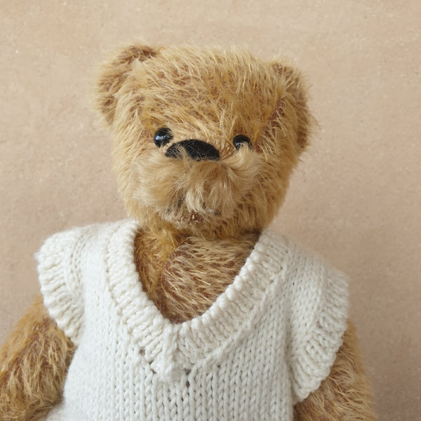 Rhys, OOAK Robin Rive standing bear, 36cm OOAK taupe mohair collectible standing teddys