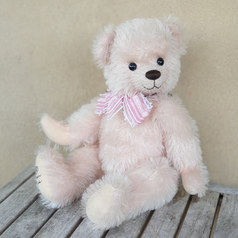 Miss Scarlet, Robin Rive collectible mohair teddy bear