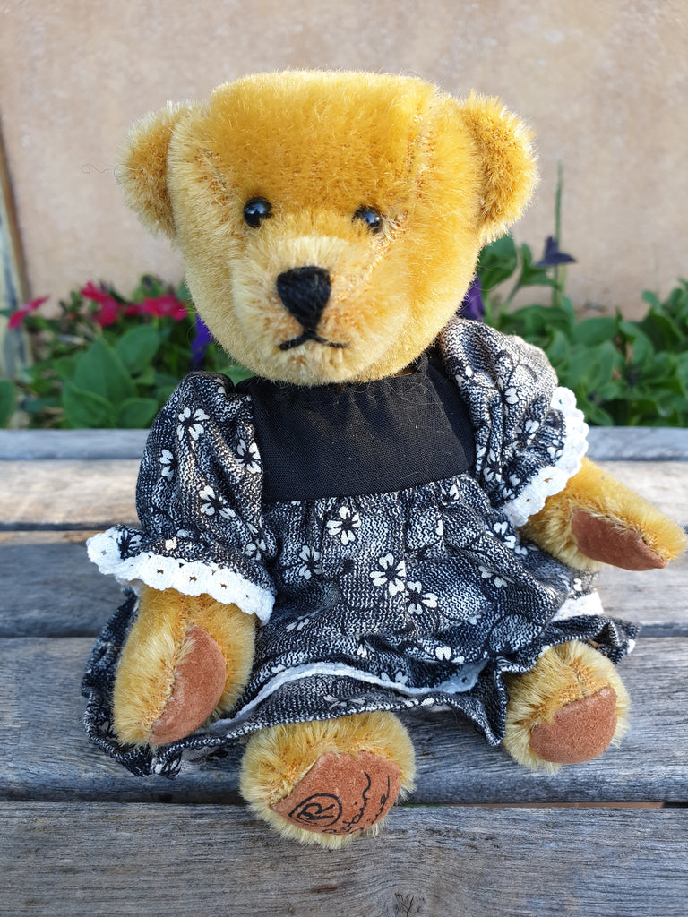 Pru, Robin Rive short, golden mohair teddy bear