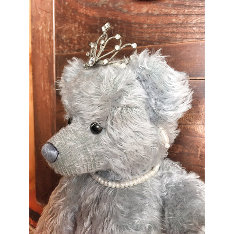 Elizabeth R - KiwiCurio-Robin Rive-Teddy Bears-Limited Edition