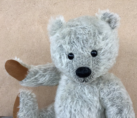 Bobby - KiwiCurio-Robin Rive-Teddy Bears-Limited Edition
