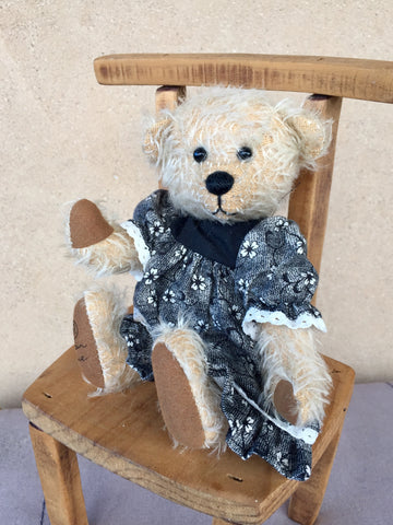 Abigail, Robin Rive bear, OOAK, 18cm, collectible mohair teddy bear, dressed in a pinafore