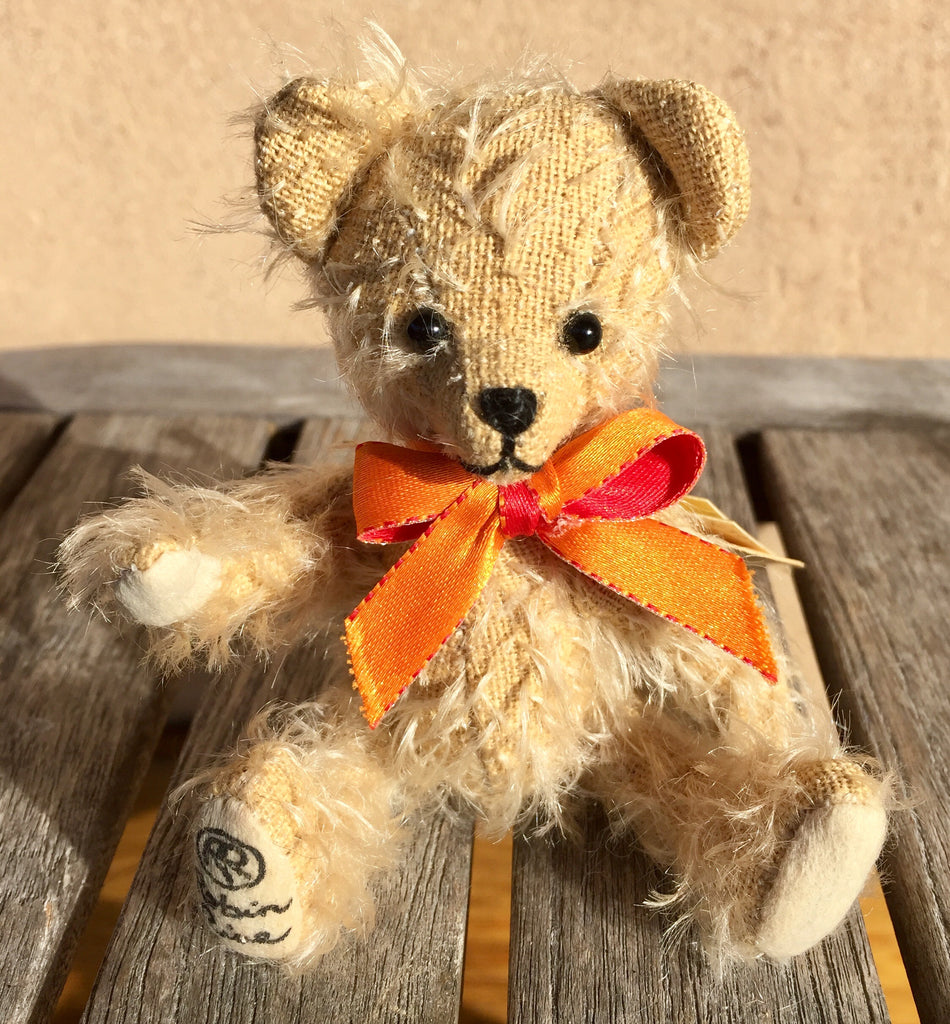 Jubilee Jonquil - KiwiCurio-Robin Rive-Teddy Bears-Limited Edition