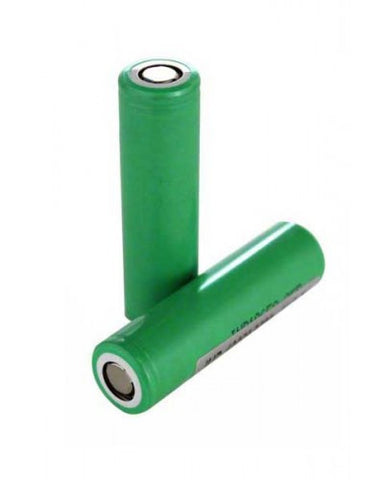 Samsung 25R Batteries 18650, two green batteries, one standing up and one laying on its side.