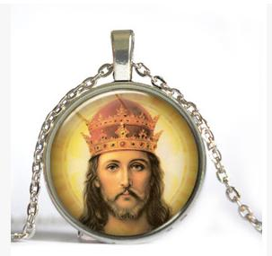 Portrait of Jesus time gem necklace