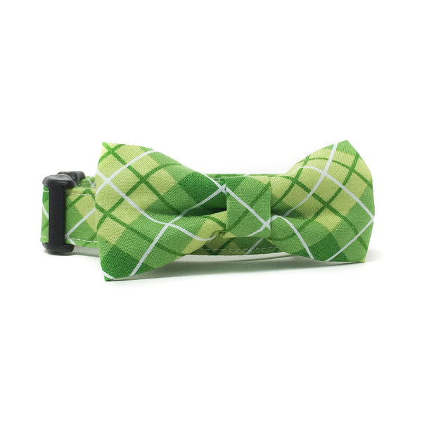Green and White Plaid Dog Collar and Bow Tie Set