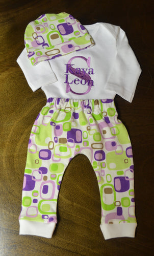 Fun Geometric Green, Purple and White Baby Girl Outfit, Personalized Baby Girl Going Home Outfit, Baby Girl Clothes, Baby Girl Coming Home Outfit, Baby Girl Outfits, Baby Girl Gift