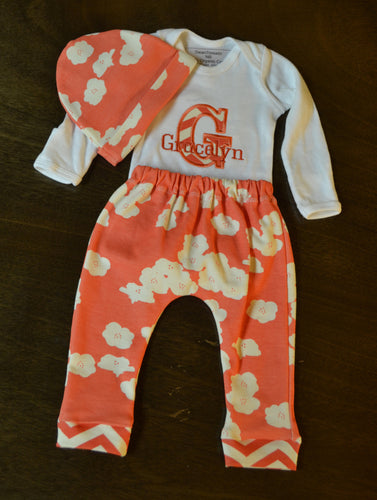 Coral and White Baby Girl Outfit, Personalized Baby Girl Going Home Outfit, Baby Girl Clothes, Baby Girl Coming Home Outfit, Baby Girl Outfits, Baby Girl Gift